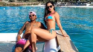 Douglas Costa ile sevgilisi Nathalia Felix'in Türkiye tatili sona erdi -  Medyafaresi.com Mobil
