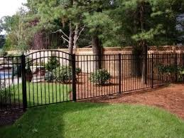 Aluminum Fence 2 Jpg 448 336 Pixels Backyard Fences Fence Gate Design Outdoor Garden Decor