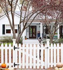 Picket Fences Building A Fence Fence Design White Picket Fence