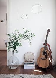 fill empty corners with floor vases
