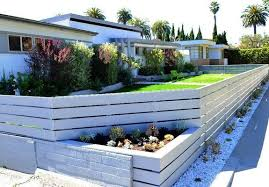 White Horizontal Fence Google Search Modern Fence Backyard Fences Backyard