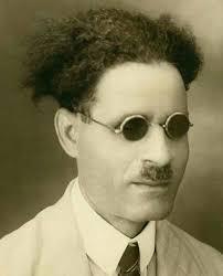 طه حسين وصورة نادرة فى شبابه :) - مصر زمان صور تاريخية قديمة | Facebook