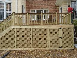 Decor Tips How To Install Deck Railing For Deck Railing Ideas With Wood Deck Railing And Lattice Also Patio Fur Lattice Deck Deck Skirting Wood Deck Railing