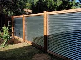 40 Simple Minimalis Fence For Huse Design Ideas Home Design Corrugated Metal Fence By Lorraine Corrugated Metal Fence Privacy Fence Designs Fence Design