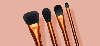 the best travel makeup brushes to rn