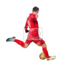 Jugador de fútbol en jersey rojo está pateando la bola, silueta ...