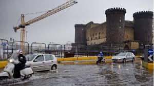 Allerta meteo, a Napoli scuole chiuse venerdì 13 dicembre ...