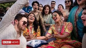 Newly-wed Priyanka Chopra and Nick Jonas have Hindu ceremony - BBC News