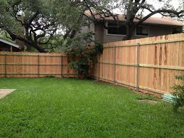 Wood Fence Austin Tx Privacy Fencing Company Cedar Pine Sierra Fence Inc