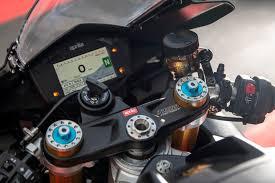 aprilia rsv4 1100 factory detail 2