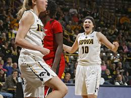 Disterhoft, Uthoff Named Academic All-Americans of the Year