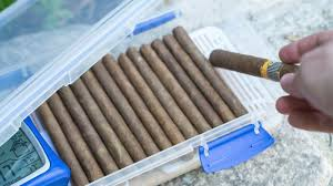 how to make a diy humidor for your cigars