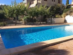 bel appartement avec vue mer et piscine