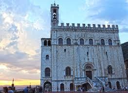 Cosa vedere a Gubbio in un giorno, curiosità sulla cittadina ...