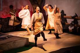 Sibling revelry: Jobsite goes 'Dancing at Lughnasa'   Bill DeYoung ...