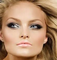 eye makeup for blondes with blue green