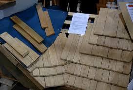 pose d une toiture en bardeaux de bois