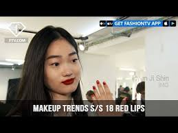 red lips makeup trends backse at