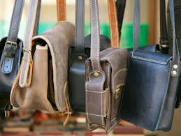 how to clean a leather purse diy