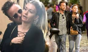 Aaron Paul can't keep his hands off wife Lauren Parsekian   Daily Mail  Online