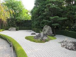 rocks are used in japanese gardens