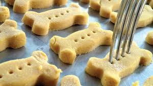 35 homemade dog treats recipes inside