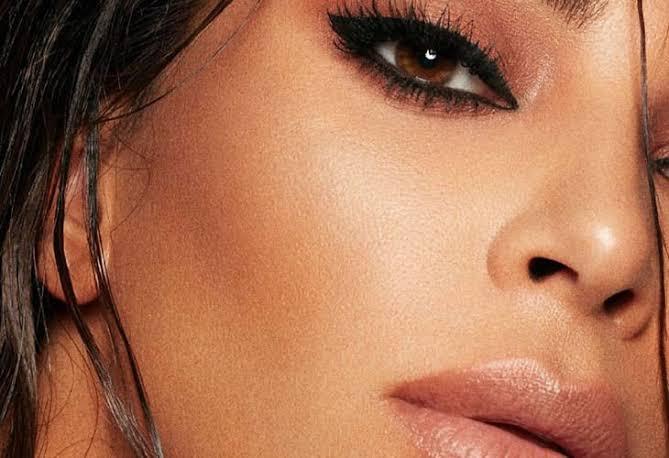"""Resultado de imagem para SOMBRA VERMELHA + BATOM NUDE Kim Kardashian"""""""
