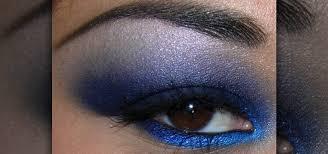 royal blue smokey eyeshadow makeup look