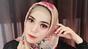 hijab and makeup in saubhaya makeup