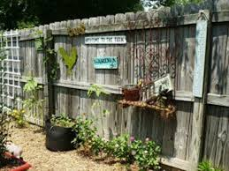 how to decorate garden fence 5 ideas