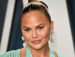 Chrissy Teigen had a miscarriage after ...