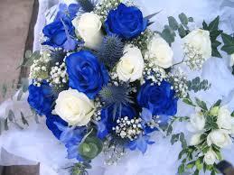 صور ورد ازرق طبيعي باقة زهور من اللون الازرق اجمل الصور