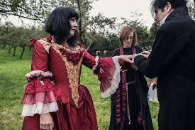 a romantic pagan wedding in glastonbury
