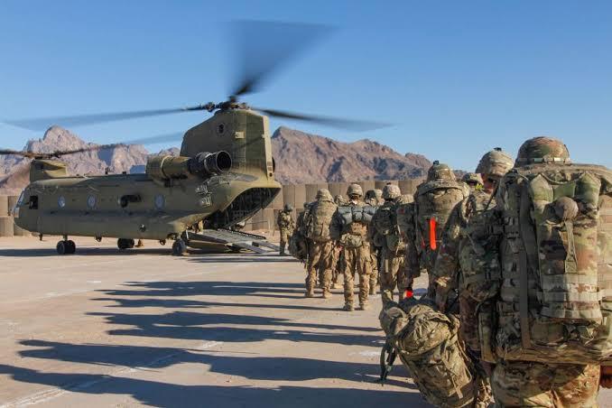 طالبان: امریکا ژمنه کړې چې تر اپرېل پورې به نیمایي ځواکونه له افغانستانه وباسو