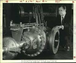 1981 Press Photo W-K-M General Manager Ivan Burns in Missouri City plant,  Texas | eBay
