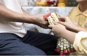วิธีขอขมาพ่อแม่ เพื่อให้ชีวิตเจริญรุ่งเรือง เรื่องสำคัญที่ลูกๆควรทำ  โดยหลวงพ่อจรัญ   by Eakg งัยจะใครล่ะ !!