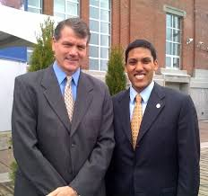 File:Consul General Smith and USAID Administrator Dr. Rajiv Shah.jpg -  Wikimedia Commons