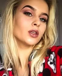 ABBY BROWN   Sleek MakeUP