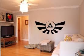 Legend Of Zelda Inspiriert Triforce Wall Von Vinylvanquish Auf Etsy Legend Of Zelda Merchandise Nerd Room Legend Of Zelda