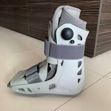 Aircast boots, Assistive Devices, Rehabilitative Devices on Carousell
