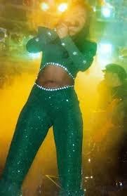 Selena Green Outfit   Selena quintanilla, Selena quintanilla perez, Selena