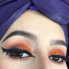 cat eye game with bat wing liner