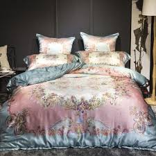 luxury mulberry silk bedding set bed in