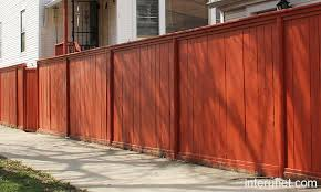 Simple Wood Fence Painted Red Picture Interunet Fence Design Wood Fence Fence Paint