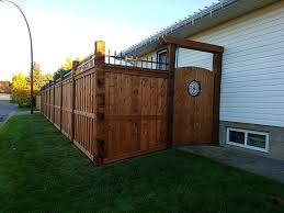 Fortress Style Fence With Simple Gate And Insert With A Arbour Over Head Modern Fence Backyard Fences Fence Gate Design