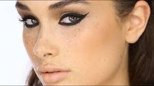dramatic black cat eye liner makeup