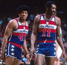 """Jay Bilas on Twitter: """"'Froback Friday! Hall of Famers Wes Unseld and Elvin  Hayes of the Washington Bullets.… """""""
