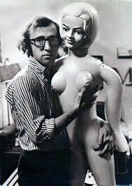 Woody Allen con una bambola gonfiabile – Barbara Picci