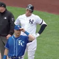 Aaron Judge injury: Yankees OF exits ...