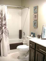 tan and white bathroom mutlivre